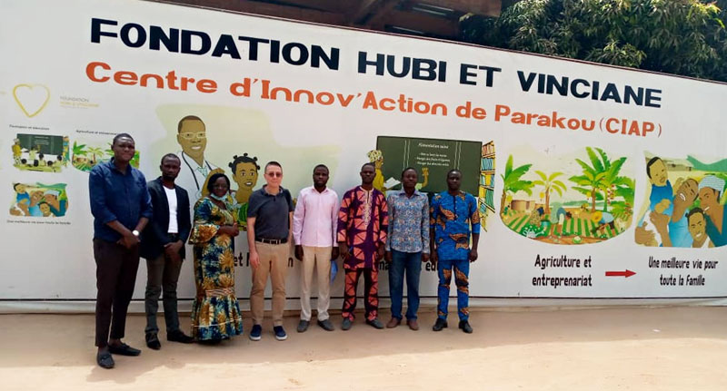 een bezoek aan het Beninse team van de Stichting